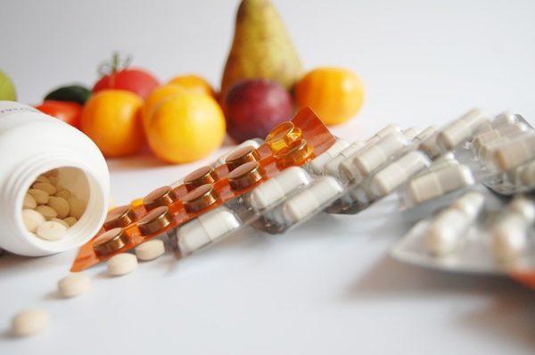 Otrzymane sztucznie suplementy lub ich naturalne źródła - wybór należy do nas